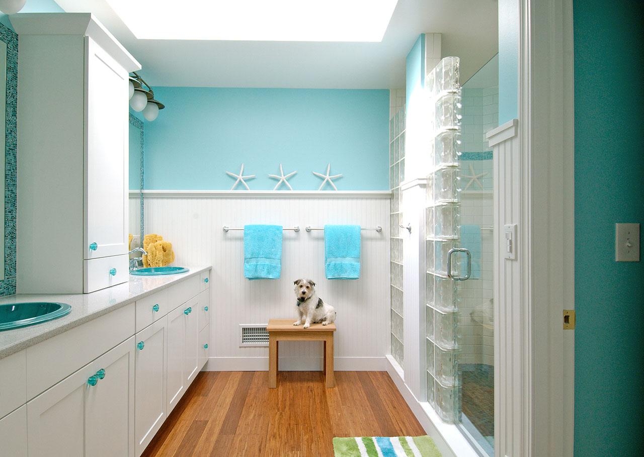 Бирюзовый цвет в ванной