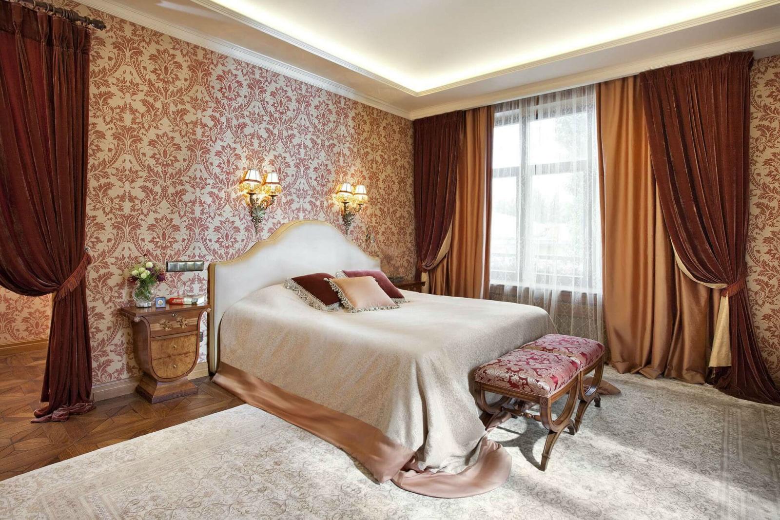 Бронзовые шторы в спальне