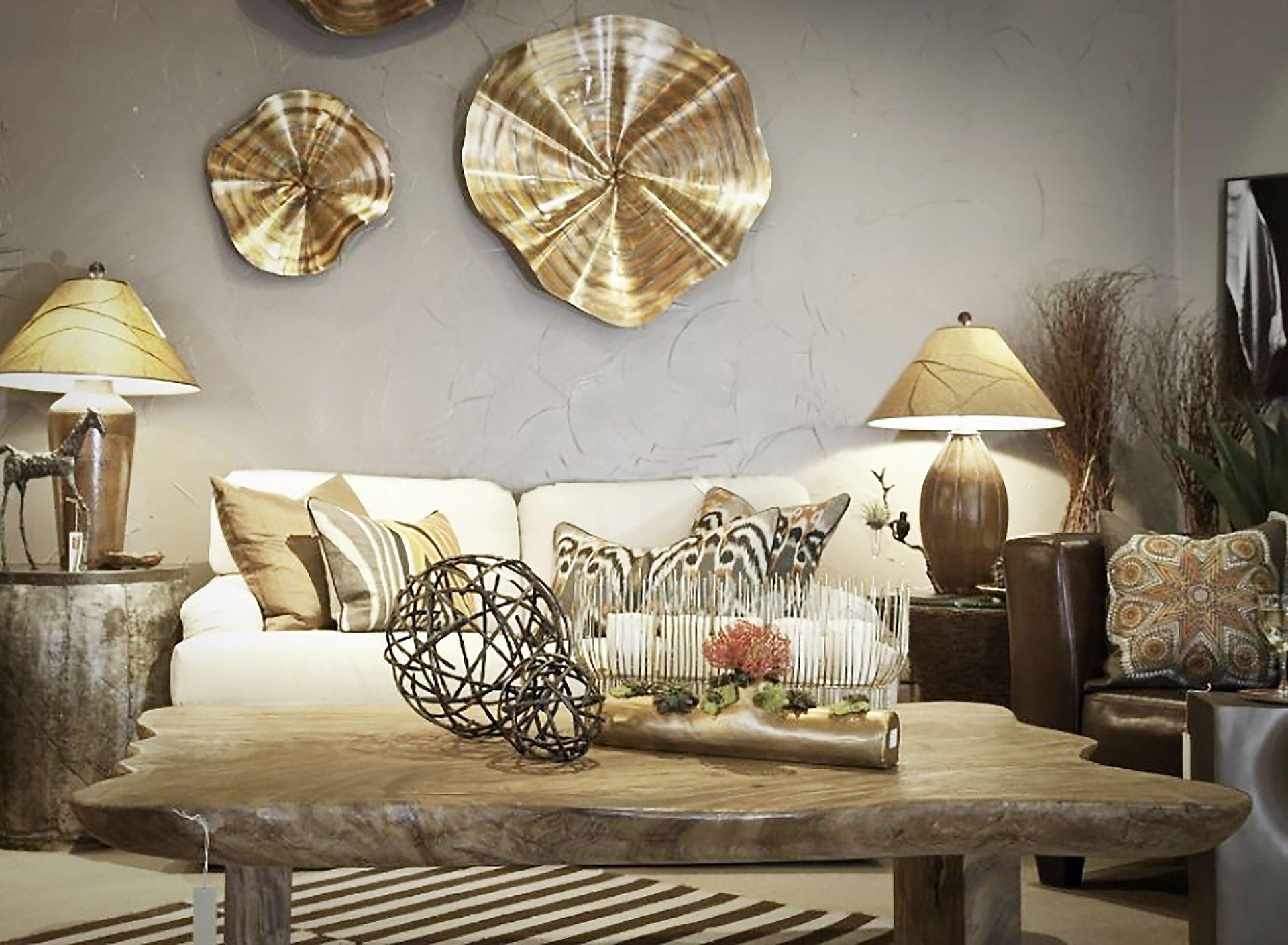 Декор бронзового цвета