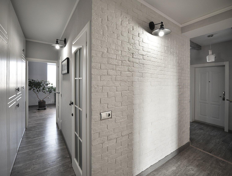 Декоративный кирпич в коридоре