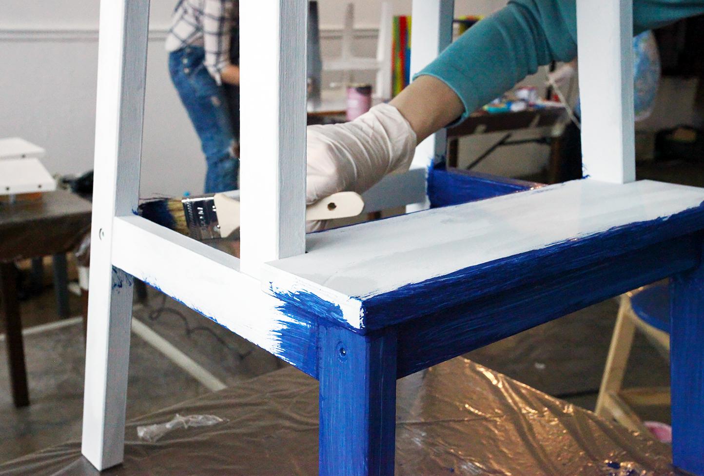 Окрашивание стула