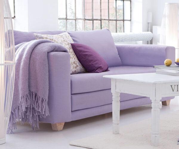 Фото лавандового дивана