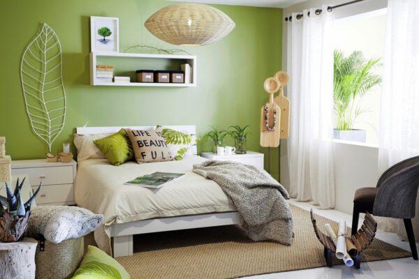 Оливковая стена