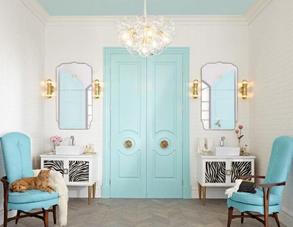 Двери цвета Тиффани