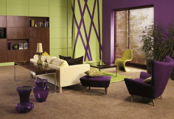 Интерьер с фиолетовым