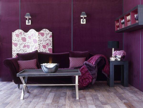 Интерьер с фиолетовым цветом