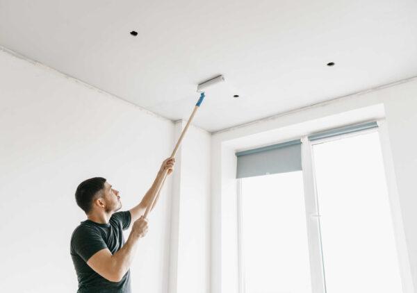 Окрашивание потолка