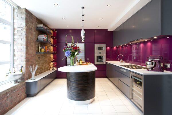 Сочетание цвета металлик с фиолетовым